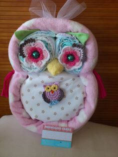owl diaper cake... INLOVE WITH OWLS! I want this! lol.. I hope someone can make it for me!