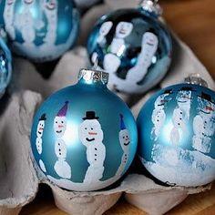 Handprint snowmen   https://sphotos-b.xx.fbcdn.net/hphotos-snc7/10458_523232894368812_357283064_n.jpg