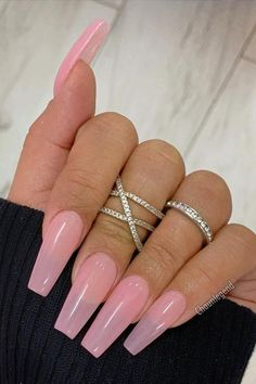 Coffin nail designs are very popular throughout the year. You should also update your nail designs this fall. If you don't like too much publicity about nail design style, then look at the nail design I carefully selected for you today. Nude Nails, White Nails, Coffin Nails, Gel Nails, Acrylic Nails, Nail Polish, Toenails, Acrylics, Nailart