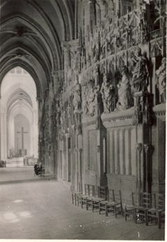 Shaun Kenaelly: Chartres Cathedral: Ambultory