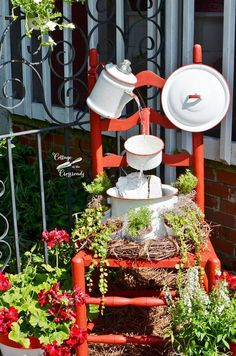 Vintage enamelware chair fountain | Cottage at the Crossroads