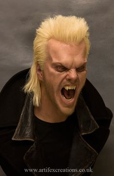 Unbelievable Hyper-Realistic Sculptures By Andy Wright - KOMEX Lost Boys Tattoo, Larp, The Lost Boys 1987, Male Vampire, Alex Winter, Vampire Stories, Looks Halloween, Creatures Of The Night, Dark Art