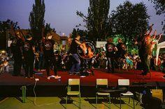 Lume de Biqueira una orquesta de gaitas para terminar la fiesta del colegio. Puro ritmo celta una vuelta a los orígenes.  #tropoMusic #concert #live #acustico #unplugged #musica #directo #concierto #inConcert #music #musicgram #vsco #vscogood #vscogrid #vscohub #vscocam #photooftheday #sony #sonyA7 #A7 #gaita #sonyAlpha #Alpha #alphaCamera #camera #mirrorless #humonegrophoto  #indie #LiveMusic -------------------------------------------------- Todos los derechos reservados  tropocolo 2017