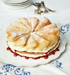 Friesentorte mit Hagebuttenkonfitüre