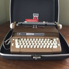 Vintage Smith Corona Coronet Electric Typewriter with Carrying Case
