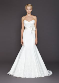 Winnie Couture is a celebrity designer of wedding dresses, bridesmaid dresses, special occasion dresses & bridal gowns. Find a bridal shop location nearest you