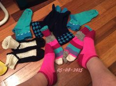 Acrylic socks; toe-up, entrelac, afterthought heel, sweet tomatoe heel, fleegle heel