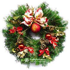 Coronita Craciun Christmas Wreaths, Holiday Decor, Home Decor, Decoration Home, Room Decor, Home Interior Design, Home Decoration, Interior Design