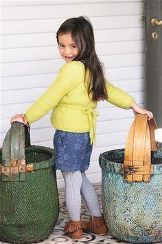 Design 19 Omslagsjakke i rillestrikk Knitting For Kids, Knit Crochet, Barn, Tote Bag, Cardigans, Coats, Jackets, Design, Inspiration