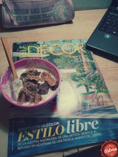 Yogur Con Cereales Y frutos secos! Yogurt with cereal and nuts!