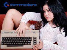 Isn't she a beauty? Those beautiful function keys, that shiny LED light, . Atari Video Games, Computer Video Games, Retro Video Games, Retro Games, Retro Advertising, Vintage Advertisements, Computer Love, Programa Musical, Vintage Videos
