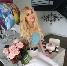 Uploaded by ディオール ♡. Find images and videos about loren, loren gray and lorengray on We Heart It - the app to get lost in what you love. Loren Grau, Gray Instagram, Most Beautiful Hollywood Actress, Grey Outfit, Celebs, Celebrities, Pretty People, Girl Photos, Cute Girls