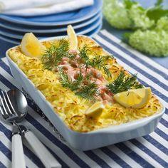 Lyxig fiskgratäng med räkor – enkelt recept | Mitt kök Fish Recipes, Seafood Recipes, Cooking Recipes, Swedish Recipes, Blondies, Fish And Seafood, Mashed Potatoes, Macaroni And Cheese, Nom Nom