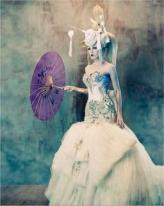 I love the contrast here - To Dream of Japan - Tina Patni - Amato Haute Couture