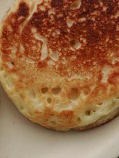 クランペット(イギリス風パンケーキ) by 大本紀子(Lilico) | レシピサイト「Nadia | ナディア」プロの料理を無料で検索 Pancakes, Bread, Breakfast, Recipes, Food, Morning Coffee, Brot, Recipies, Essen