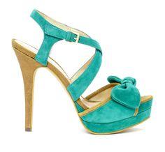 green heel w/ bow