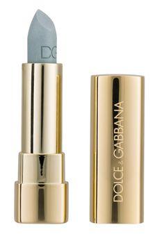 Dolce & Gabbana Rouge à lèvres Classic Shine Lipstick - Light Blue 3.5g /      Obtenez un volume sensuel et un brillant riche et pulpeux avec le rouge à lèvres Shine Dolce&Gabbana. Equilibre parfait entre rouge et brillant à lèvres, il combine couleur et brillant avec un fini léger et semi-transparent.Idéal pour les femmes recherchant le compromis parfait entre couleur, brillant et hydratation.DUOL:24mois. Eu 16€ au lieu de 32,50 €