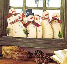Украшение окна на Новый год из бумаги - фото   Как украсить окна к Новому году - трафареты, роспись окна