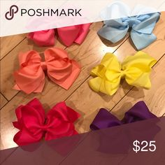 Set of 6 bows You will all colors shown in picture Accessories Hair Accessories