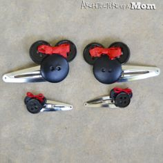 DIY Minnie Mouse Button Hair Clips / Barrette / Disney Craft / Gift Idea / Christmas Present / Homemade Stocking Stuffer Idea
