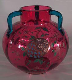 Baccarat Glass Rocks, Art Of Glass, Glass Artwork, Antique Vases, Vintage Vases, Glass Vessel, Glass Ceramic, Baccarat Crystal, Cranberry Glass