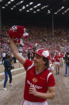 Bryan Robson, Manchester United