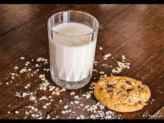 Comment fabriquer son lait d'avoine maison en quelques minutes, sans cuisson  | Bio à la une  100g de flocons d'avoine - 1 L d'eau - 1 pincée de sel - 1 c-à-s de sirop d'agave (facultatif) - See more at: http://www.bioalaune.com/fr/actualite-bio/15189/comment-fabriquer-son-lait-davoine-maison-en-quelques-minutes#sthash.eG4tDgW4.dpuf