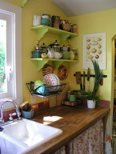 Elevated dish rack to save counter space