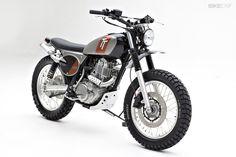 2015 YAMAHA SR400 BY PALHEGYI DESIGN. Love this little bike!!