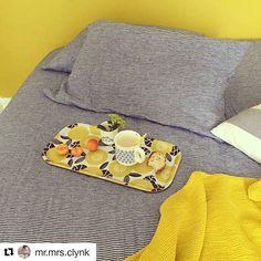 Ja, nog een prima manier om dit prachtige dienblad van #mretmrsclynk te gebruiken! Ontbijt op bed  #grinandbeam #webwinkel #webshop  #ontbijtopbed #dienblad