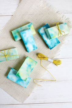 Easy tie dye soap! (click through for tutorial)