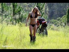 Dirt bike riding without gear media gallery. featuring 1 dirt bike riding without gear high-resolution photo Dirt Bike Girl, Girl Bike, Yamaha R6, Biker Chick, Biker Girl, Bike Photoshoot, Photoshoot Ideas, Motorcycle Camping, Motorcycle Girls