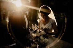 Cea mai frumoasă lumină. Cel mai frumos buchet. Cel mai emoționat cuplu. 😍 Foto: The Chronicles Photography Sunset Wedding, Forest Wedding, Woodland Wedding, Garden Wedding, Rustic Wedding, Wedding Couple Photos, Wedding Couples, Adventure Couple, Alternative Bride