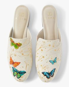 Alepel Hand Painted Butterfly Mule in Size Westbrook Shoes, Graffiti Shoes, Hand Painted Shoes, Shoe Pattern, Slip On Mules, Shoe Art, Leather Mules, Leather Design, Steve Madden Shoes