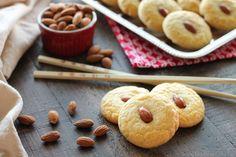 Vandaag heb ik deze heerlijke koolhydraatarme amandelkoekjes gemaakt. Deze koekjes zijn makkelijk te maken en hebben een lekkere zoete amandelsmaak.