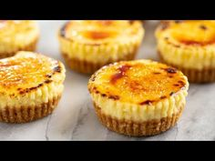 All of the delicious flavors of creme brûlée in an easy to make mini cheesecake cupcake. You'll love these delicious little single serve desserts! Mini Cheesecake Cupcakes, Creme Brulee Cheesecake, Cheesecake Desserts, Mini Cheesecakes, Dessert Recipes, Mocha Cupcakes, Gourmet Cupcakes, Strawberry Cupcakes, Velvet Cupcakes