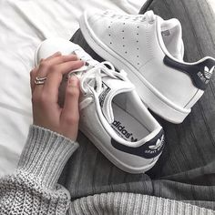 Adidas stan smith 💙 Price : quality Sizes : 6 7 8 9 10 🆓🆓🆓🆓 Shipping🆓🆓🆓🆓 Dm OR whatsapp me 7532909945 Pretty Shoes, Cute Shoes, Me Too Shoes, Sock Shoes, Shoe Boots, Tenis Casual, Shoe Closet, Adidas Stan Smith, Adidas Shoes