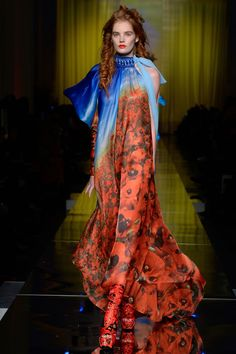 Jean Paul Gaultier Spring 2017 Couture Collection Photos — Vogue… Fashion and lifestyle. Vogue Fashion, Fashion Week, Fashion 2017, High Fashion, Fashion Show, Fashion Design, Haute Couture Style, Spring Couture, Couture Week