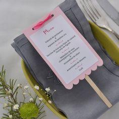 Menus de baptême, anniversaire personnalisés pour votre table.
