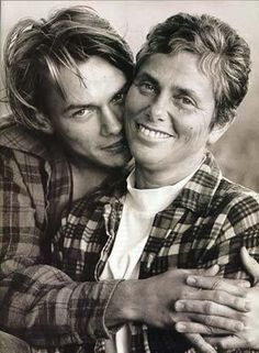 River Phoenix & his mother.  How she must miss him...