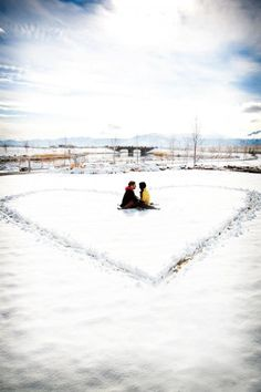 6 Smart Guidelines For Winter Outside Engagement Sessions | Wedding Inspirations