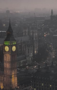 Foggy London night. Makes me think of Peter Pan