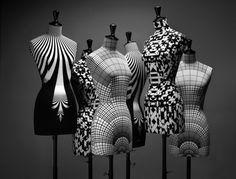 Haute couture mannequins black and white Mannequin Art, Dress Form Mannequin, Fashion Mannequin, Stockman Mannequin, Mode Pop, Poster S, Black N White, White Art, Black Metal