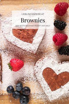 Das perfekte Rezept für den Valentinstag: die weltbesten Brownies. Saftig, schokoladig und dabei so einfach gemacht! So macht Backen richtig Spaß. Mit den ausgestochenen Herzen hast du die perfekte Überraschung zum Valentinstag. Pure Romantik am Kuchenteller! Serviere einfach mal ein bisschen Liebe mit Schokolade. Beste Brownies, Muffins, Food And Drink, Cakes, Kitchen, Gifts, Chocolates, Valentines Date Ideas, Muffin