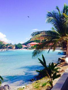L'eau turquoise de l'île des Saintes, Guadeloupe ®Salomé Van der heyden #VoyagesPassionTerre