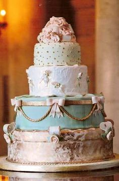 Pink, gold and turquoise wedding cake. You can make the turquoise brighter, but the idea of the cake is beautiful Gorgeous Cakes, Pretty Cakes, Amazing Cakes, Marie Antoinette, Wedding Cake Inspiration, Wedding Ideas, Cupcake Cookies, Cupcakes, Piece Of Cakes