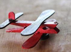 diy flugzeug aus wäscheklammern gemacht