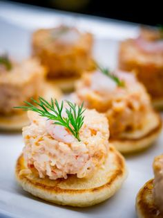 Free photo: Food, Blinis, Canape, Shrimp, Dill - Free Image on Pixabay - 2430865 Kouign Amann, How To Make Homemade, Food To Make, Vol Au Vent, Appetisers, Different Recipes, Party Snacks, Fish And Seafood, Diabetic Recipes