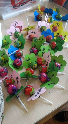 Welcome to school- Hoşgeldin okuluna hediyesi Welcome to school - Kids Crafts, Craft Activities For Kids, Diy And Crafts, School Gifts, Student Gifts, Teacher Gifts, School School, Paper Flowers Craft, Flower Crafts