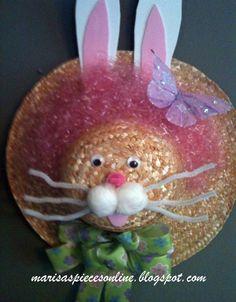 I came across a straw hat bunny last year and I wanted to make one for myself. I saw it on Between Naps on the Porch an. Straw Crafts, Hat Crafts, Easter Wreaths, Holiday Wreaths, Easter Crafts For Adults, Wall Hanging Crafts, Easter Parade, Easter Activities, Spring Crafts